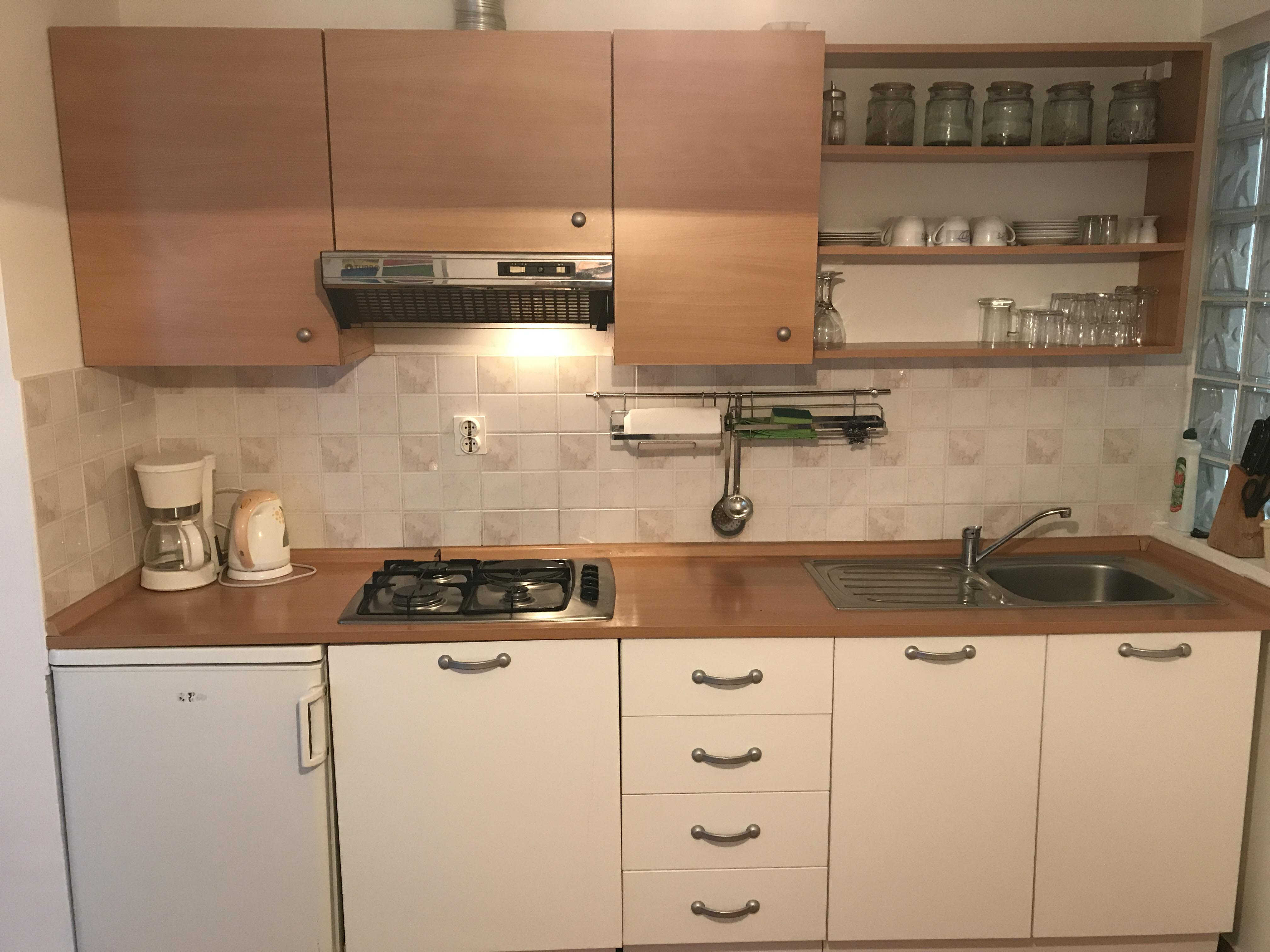 kitchen-in-apartment-1