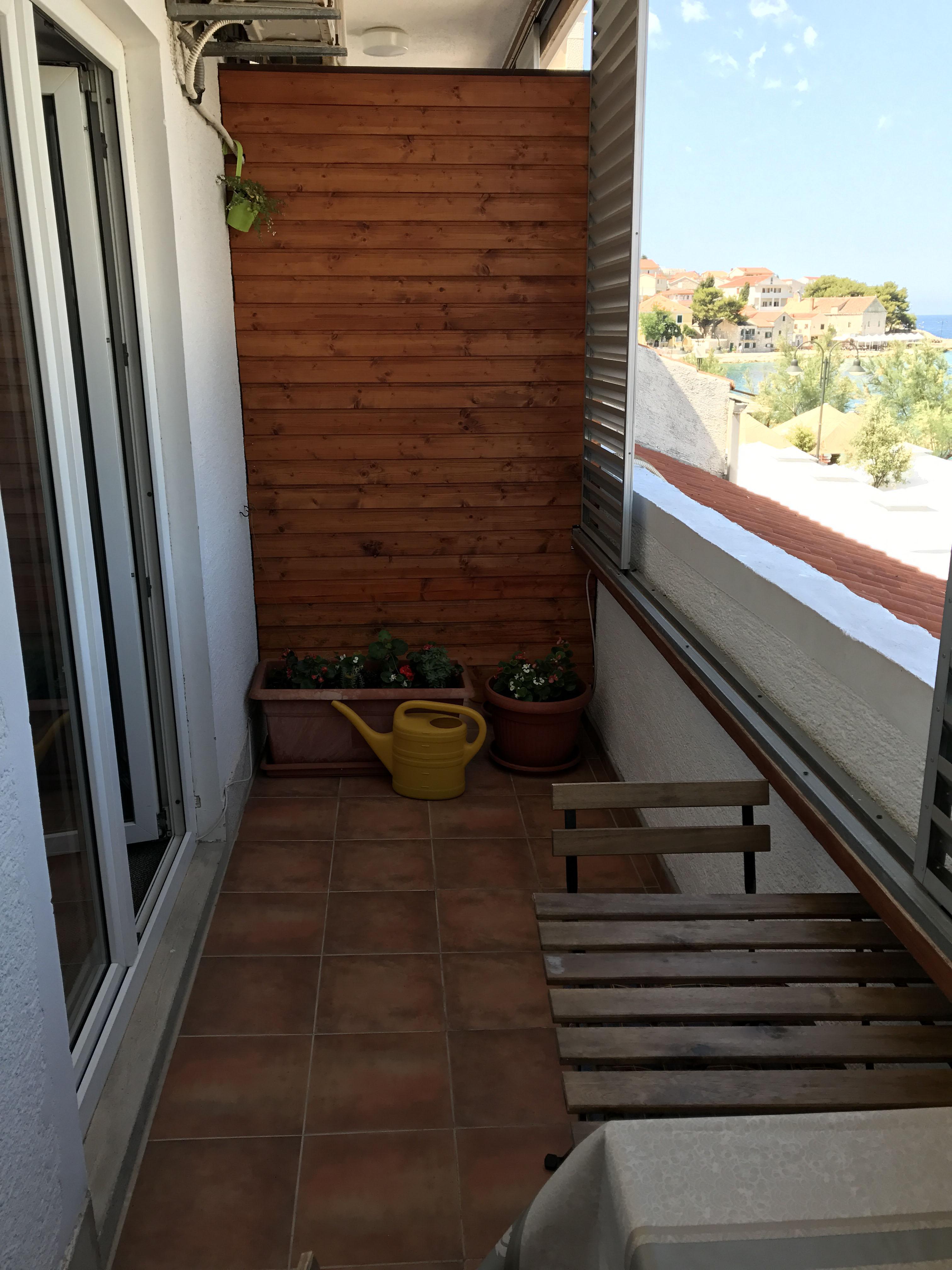 balcony-in-apartment-2
