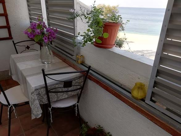 Balcony with sea-view in Apartment 1